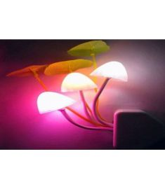 Description Avatar flower mushroom LED night light has different color lights, directly socket plugging and playing, light sensor, size 185 x 75 mm.